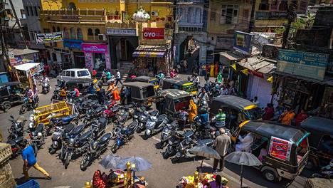 Intia ei ole helpoin matkailukohde. Turistihuijaukset ja vatsaongelmat ovat erittäin yleisiä ja saattavat viedä kaiken ilon Intian matkasta.