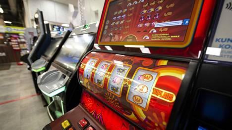 Veikkaus vähentää tänä vuonna noin 8000 hajasijoitettua peliautomaattia, jolloin niitä jää edelleen käyttöön noin 10500.