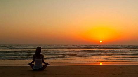 Goalle matkustetaan joogaamaan ja meditoimaan.