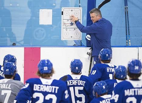 Sheldon Keefe, 40, aloittaa ensimmäisen kokonaisen kautensa Toronton päävalmentajana.