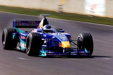 Kimi Räikkönen ajoi ensimmäiset F1-testinsä Sauberilla Italian Mugellossa syyskuussa 2000.