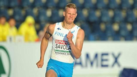 Elmo Savola otteli EM-kisoissa Puolassa.