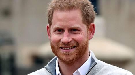 Prinssi Harry lensi Yhdysvalloista Iso-Britanniaan pian isoisänsä kuoleman jälkeen.