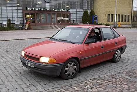 Jethro Rostedt myi Opelin eteenpäin Diili-ohjelmassa.