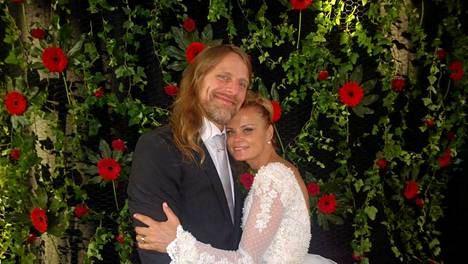 Jone ja Hanna avioituivat lauantaina.