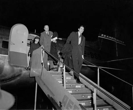 Gregory Peck saapui Suomeen markkinoimaan uutuuselokuvaansa tammikuussa 1953.