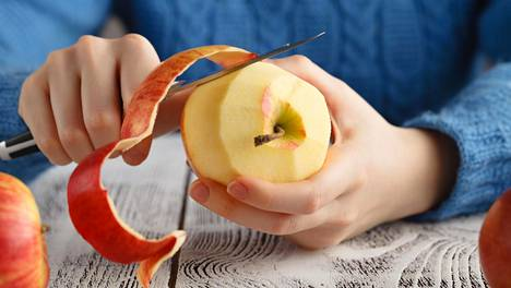Jokainen 66 gramman lisäys päivittäisessä hedelmien tai kasvisten saannissa pienensi diabetesriskiä noin 25 prosenttia, tutkijat kirjoittavat. Esimerkiksi pieni omena painaa noin sata grammaa.