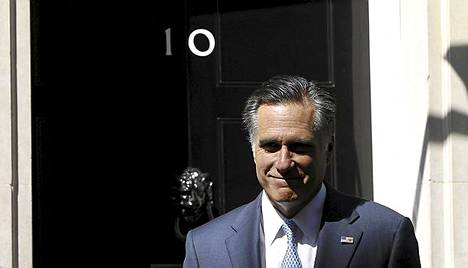 Mitt Romney tapasi brittipääministeri David Cameronin Downing Street 10:ssä.