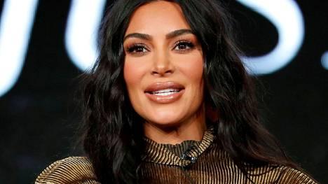 Kim Kardashian on miljoonien seuraama realitytähti.
