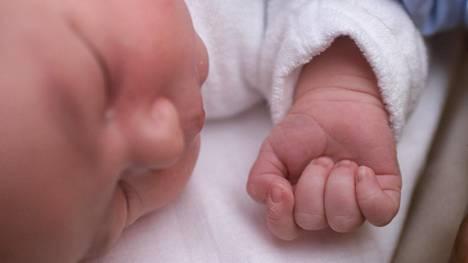 Vauvoja syntyi ennätyksellisen vähän viime vuonna ja alkuvuonna.