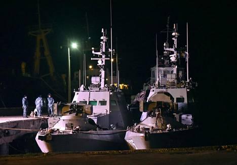 Berdjansk- ja Nikopol-alukset kuvattuna ukrainalaissatamassa torstaina.