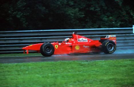 Michael Schumacherin auto kärsi pahoja vaurioita.