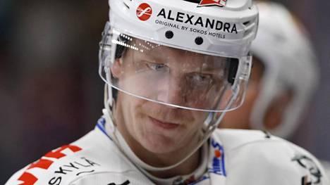Juuso Puustinen edusti JYPiä ennen kuin hän siirtyi KHL:ään.