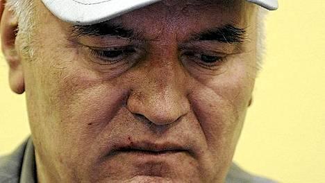 Ratko Mladic perjantaina Haagin sotarikostuomioistuimessa.