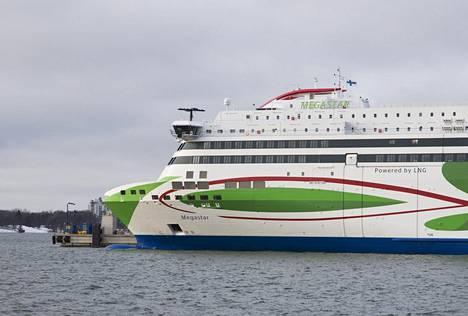 Tallink Megastar Länsisatamassa tammikuussa 2017.