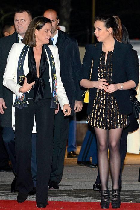 Monacon prinsessa Stephanie ja tytär Pauline Ducruet sirkustapahtumassa Monacossa tammikuussa 2014