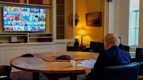 Britannian pääministeri Boris Johnson G20-maiden hätävideokonferenssissa tänään.