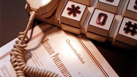 Irtisanottavilla tileillä on muun muassa vanhoja puhelinyhtiöiden osakkeita. Kuvituskuva.