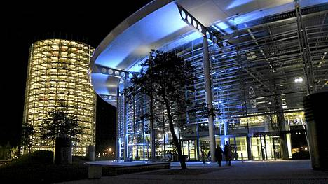 Autostadt Wolfsburgissa on Volkswagenin koti. Se on monille suomalaisille tuttu matkakohde.