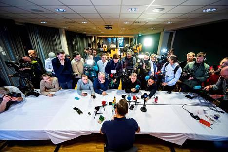 Petter Northugin lopettamispäätös noteerattiin laajasti. Trondheimissa pidettyyn tiedotustilaisuuteen saapui iso toimittajajoukko.