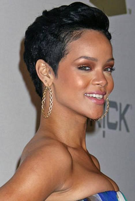 Rihanna vakuuttaa pysyvänsä vahvana.