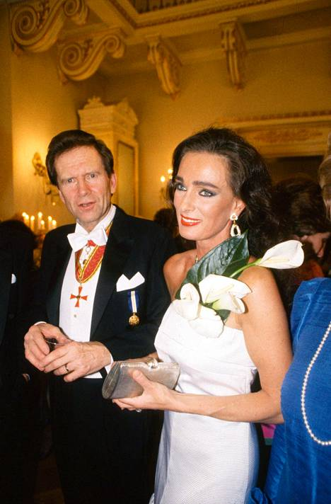 Ingvar S. Melin ja Maria Melin Linnan itsenäisyyspäivän juhlissa 6. joulukuuta 1988.