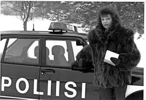 Ylen Poliisi-TV:n pitkäaikainen toimittaja Raija Pelli teki myöhemmin ISTV:n Rikos-TV-sarjaa Ilta-Sanomien rikostoimittajien Sari Aution ja Rami Mäkisen kanssa.