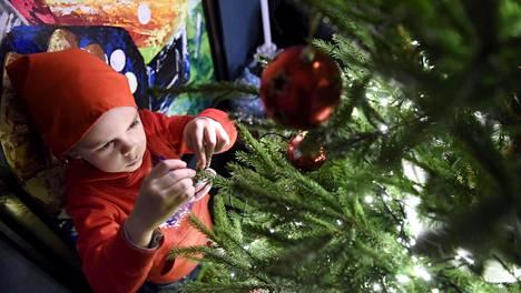Kuinka hyvin muistat suosittujen joululaulujen sanat? Testaa