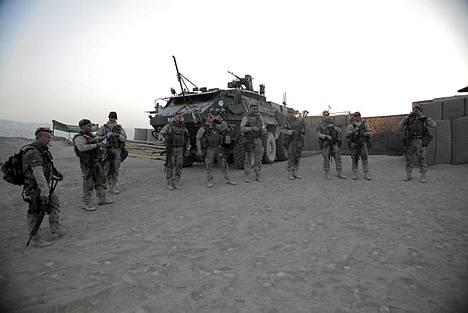 Suomalaiset rauhanturvaajat elävät Afganistanissa alkeellisissa olosuhteissa.