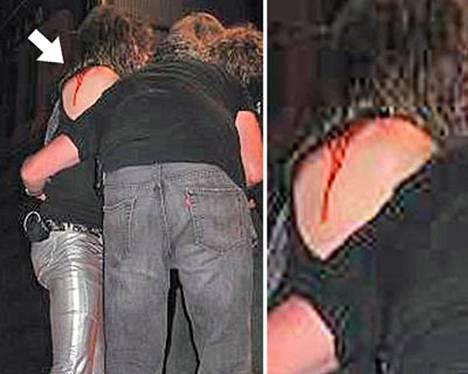 Verinoro paljastui Steven Tylerin paidan alta, kun mies tippui lavalta.