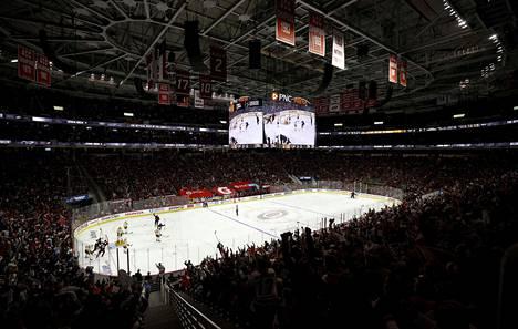 PNC Arenan yleisömääräksi ilmoitettiin 12000.