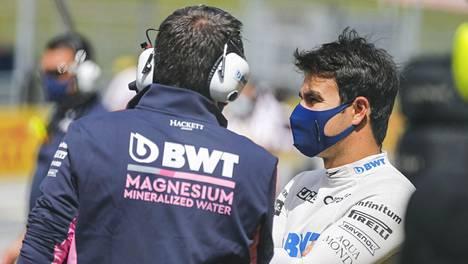 Sergio Perez (oik.) voi joutua tekemään tilaa Sebastian Vettelille Racing Pointilla.