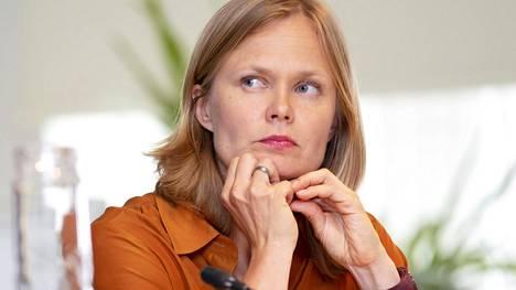 Tiede- ja kulttuuriministerinä juuri aloittanut Hanna Kosonen.
