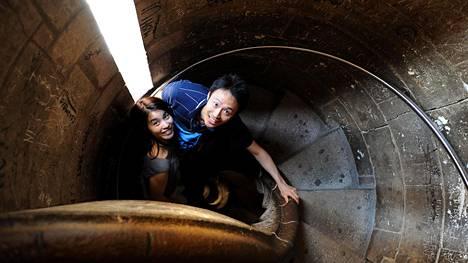 Espanjan suosituinta nähtävyyttä, Barcelonan La Sagrada Famílian kirkkoa, voi ihailla myös nousemalla sen torniin.