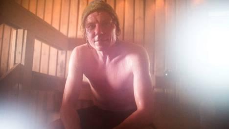 Harri Huuhtanen on intohimoinen saunoja. Huuhtanen saunoo ensisijaisesti rentoutumisen takia.