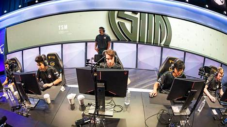 TSM tunnetaan erityisesti sen menestyksekkäästä League of Legends -joukkueesta.
