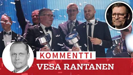 Huuhkajien edustajat pokkasivat pystit. Jukka Jalonen ja Leijonat jäivät sivuosaan.