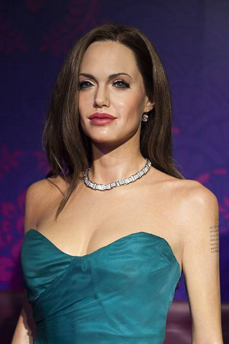 Angelina Jolien vahanukke
