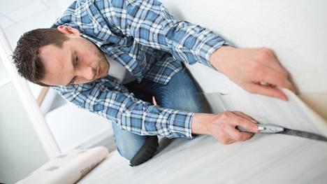 Rakennusmies neuvoo, miten saat itse kodin pintojen naarmut ja kolhut piiloon
