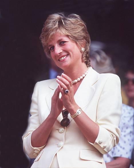 Prinsessa Diana joutui eroamaan puolisostaan vasten tahtoaan.