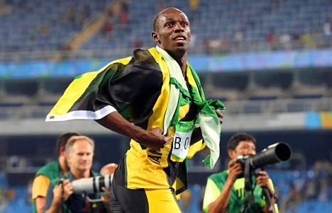 Bolt voitti Riossa kolme kultaa. Kultasarjan sinetöi Jamaikan voittama pikaviesti.