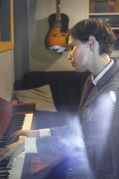 """Janita asuu Manhattanilla kumppaninsa Blake Morganin kanssa, joka on myös muusikko. """"Ainoa kaikkia rakastamiani ihmisiä yhdistävä tekijä on ollut musiikki."""""""