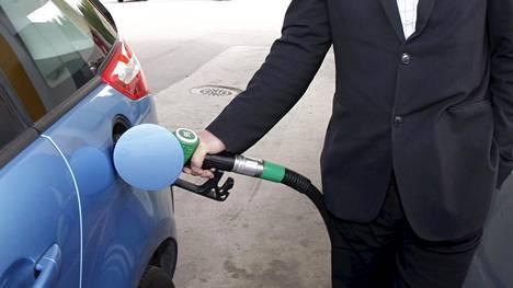 Harvey-myrsky vaikutti siten, että tuottajien olosuhteet Meksikonlahdella heikkenivät. Se näkyy bensan hinnassa.