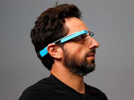 Googlen Sergei Brinin loistojahti on ollut laiturissa San Franciscossa proomurakennelman läheisyydessä.