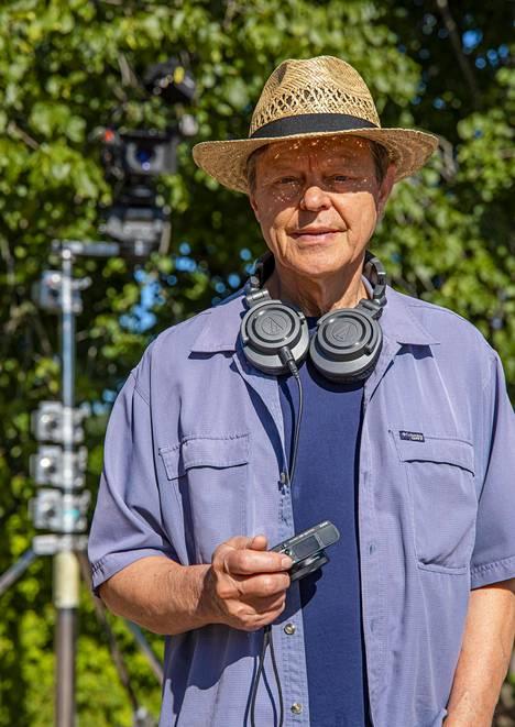 Ohjaaja Claes Olssonin näyttelijöillä on iso ikäskaala.
