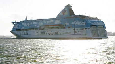 Tallink Siljan viestintäjohtaja Marika Nöjd kertoo, että M/S Galaxyssa oltiin siinä käsityksessä, että rahtilaiva väistäisi risteilyalusta.