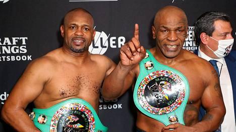 Monet pitivät Mike Tysonia ottelun voittajana, vaikka virallista voittajaa ei julistettu.