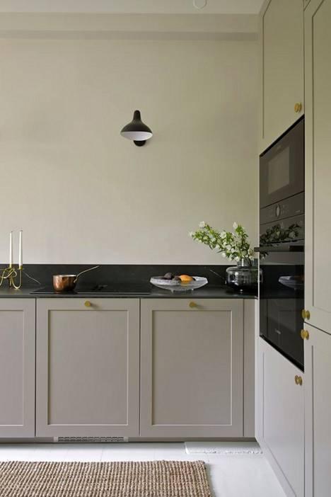 Murretut sävyt ovat trendikäs vaihtoehto perinteisille keittiön väreille.