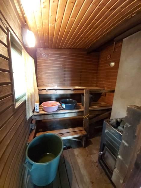 Sauna ennen remonttia.