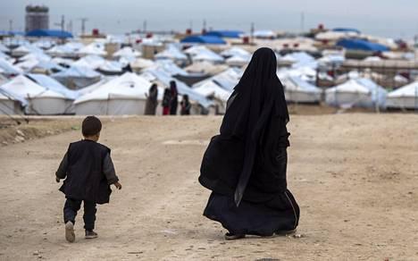 Isis-perheitä on koottu esimerkiksi al-Holin leirille koillis-Syyriassa.